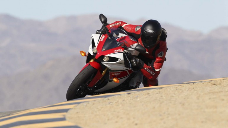 2013 Yamaha R1 Review