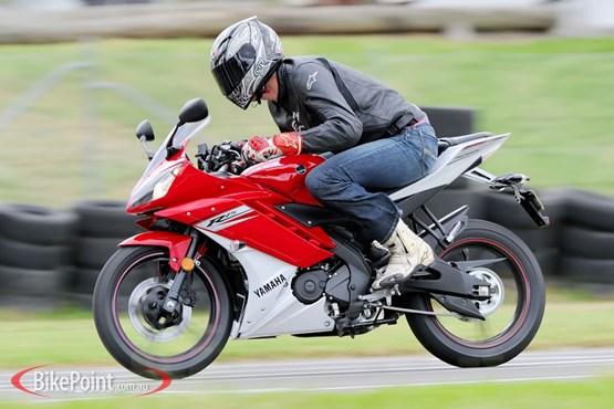 Yamaha YZF R15 รีวิว