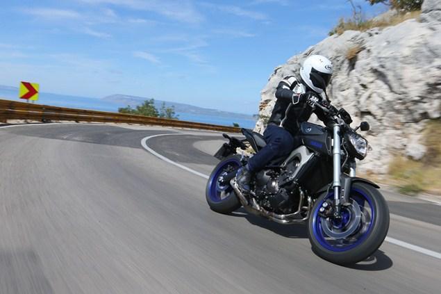 ทดสอบการขับขี่ Yamaha MT 09