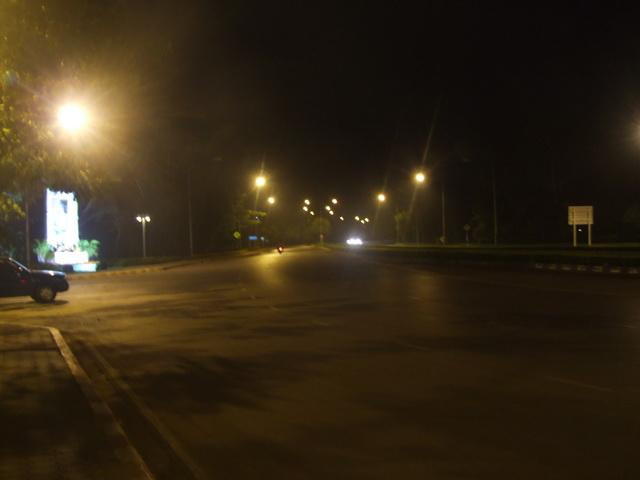 ขับมอเตอร์ไซค์ตอนกลางคืน