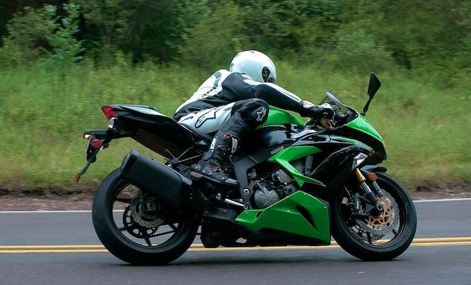 รีวิวมอเตอร์ไซค์ Kawasaki Ninja ZX-6R