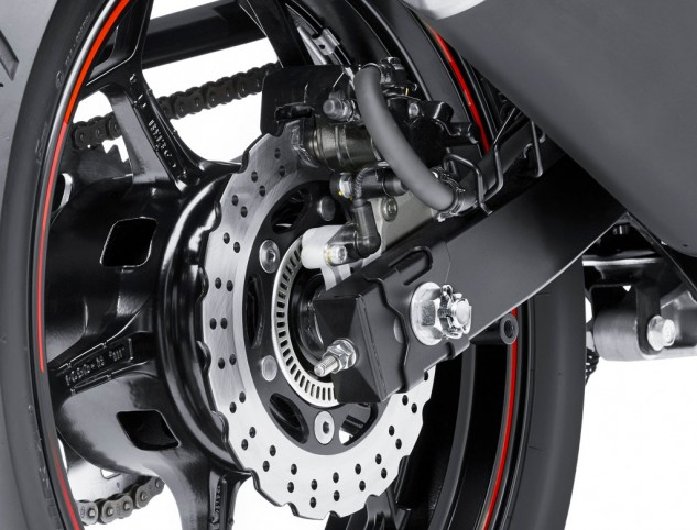 2014-kawasaki-ninja-300-rear-brake