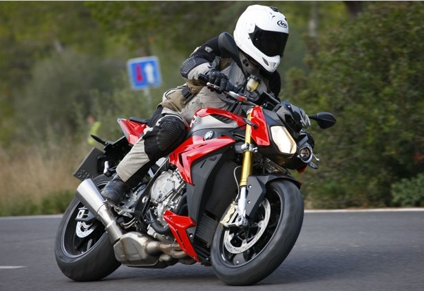 BMW S1000R review