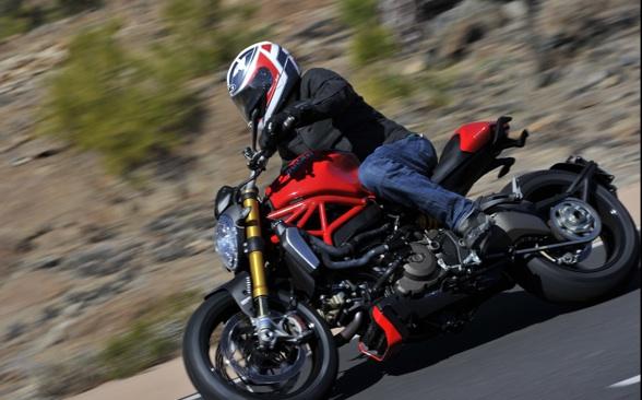 Ducati-Monster-1200-3