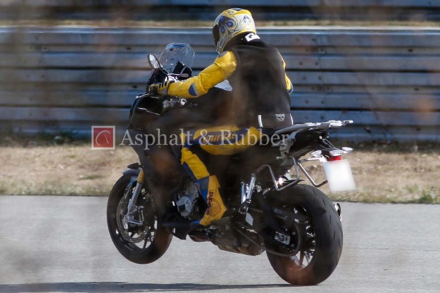 BMW-S1000F-spy-photos-01