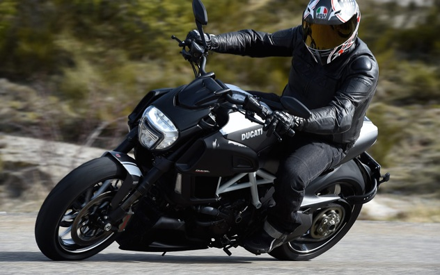 2015-Ducati-Diavel-First-Ride