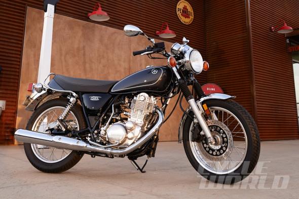 2015-Yamaha-SR400