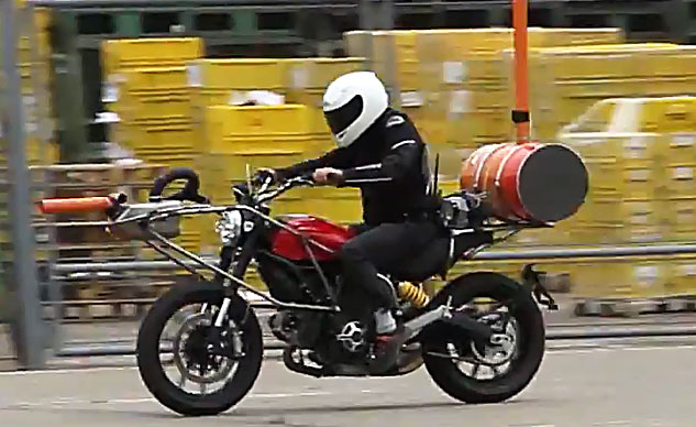 2015-ducati-scrambler-spy-video