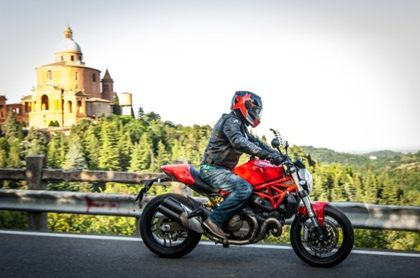 Ducati-Monster-821-review
