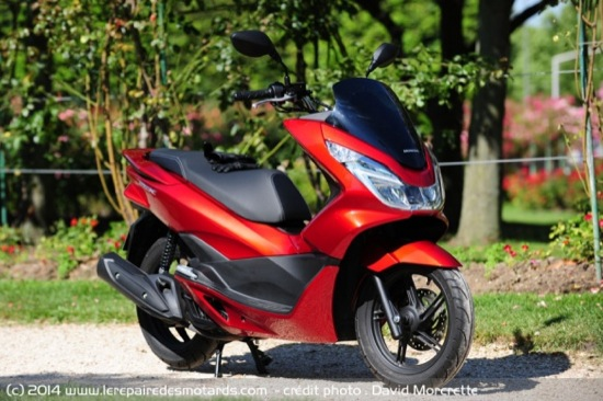 Review-2014-Honda-PCX-125-01