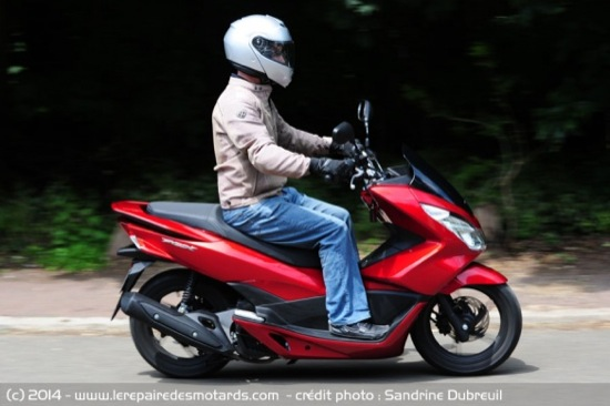 Review-2014-Honda-PCX-125-08
