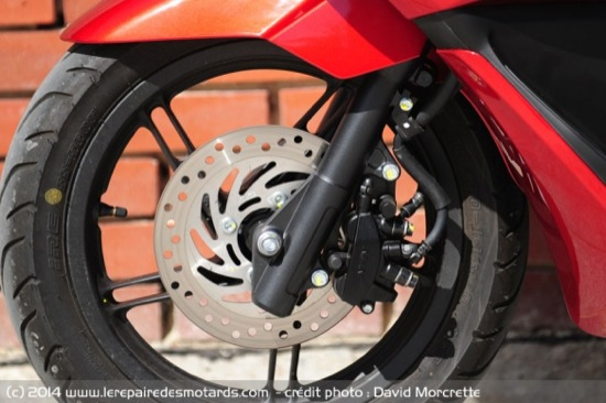 Review-2014-Honda-PCX-125-12