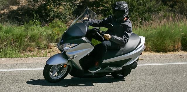 2014-Suzuki-Burgman-200