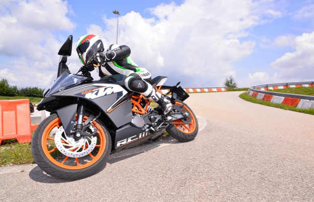 KTM-RC125-review-2