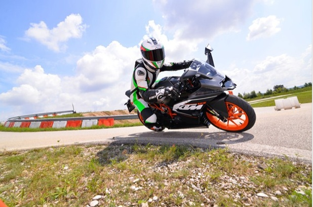 KTM-RC125-review