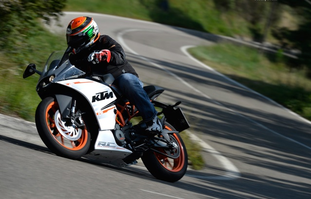 2015-KTM390-Review