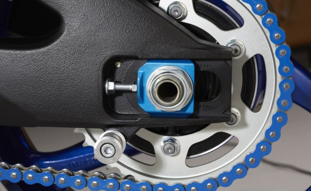 2014-suzuki-gsx-r1000se-chain-adjuster