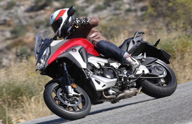 2015-Honda-VFR800X-Crossrunner-review-2