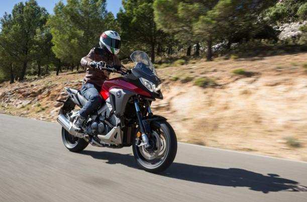 2015-Honda-VFR800X-Crossrunner-review