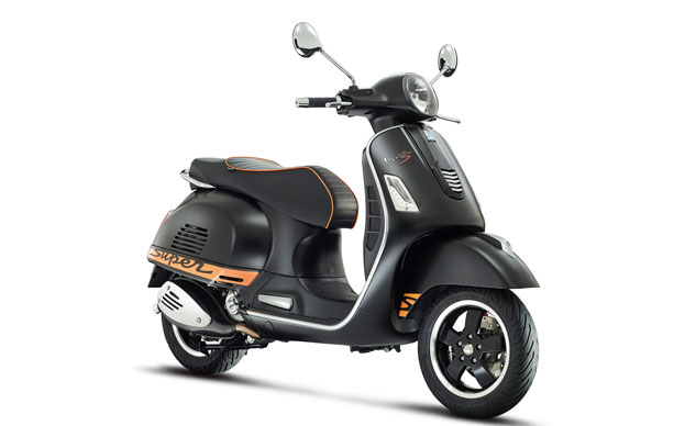 2015-Vespa-GTS-supersport