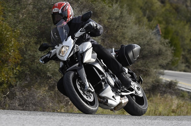 2015-MV-Agusta-Stradale-800-first-ride