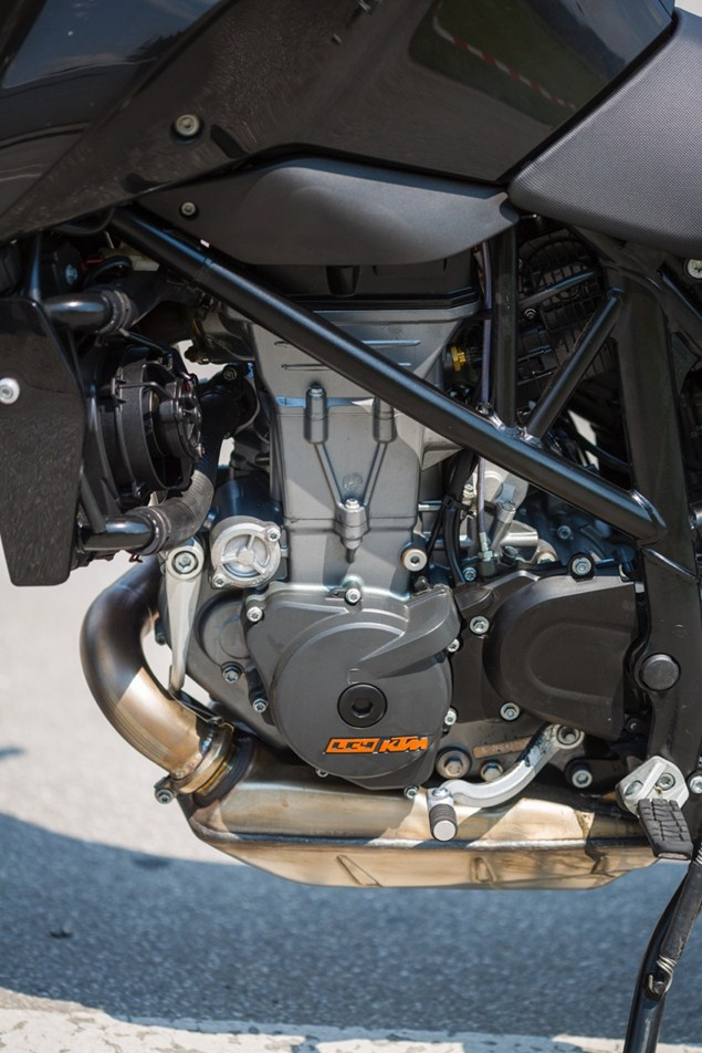2016-KTM-duke-690-updated-3